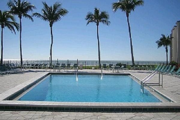 Sundial Resort Pool